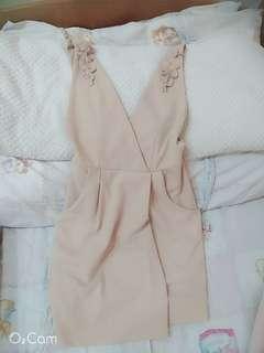 🚚 奶茶色包臀洋裝💕