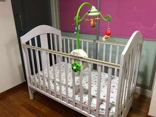 CNY sales🌸4-in-1 baby cot bundle (frame + mattress + musical mobile + bedsheets)
