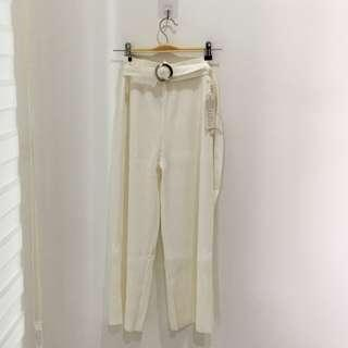 🆕BRAND NEW White Pleated Pants With Belt