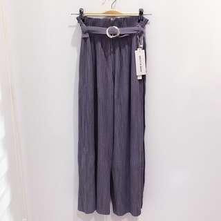 🆕BRAND NEW Grey Pleated Pants With Belt