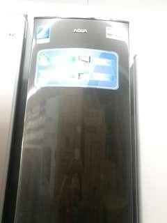 Kulkas aqua 1 pintu, punya uang untuk kebutuhan lain? Di credit aja cukup 200 ribu sudah bisa bawa pulang barang!!