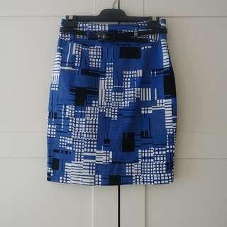 Review Patterned Skirt size 6