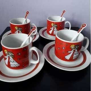 Tea Cups and Saucers Set