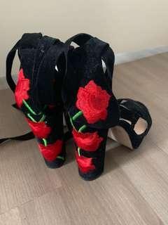 Public desire rose heels