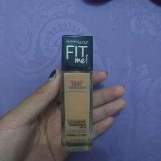 Fit Me Dewy+Smooth Foundation 230 Natural Buff