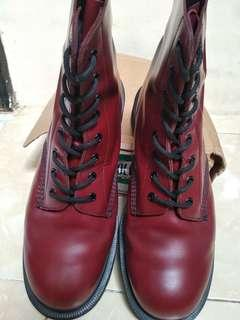 Jual Solovair Red cherry 8 hole