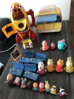 正版Peppa Pig 火箭 旅行車 教室 連 20 個figures
