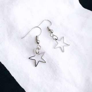 🚚 Star Earring