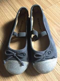 Old Navy sparkly flat ballet shoes size 7 for girls/ kids