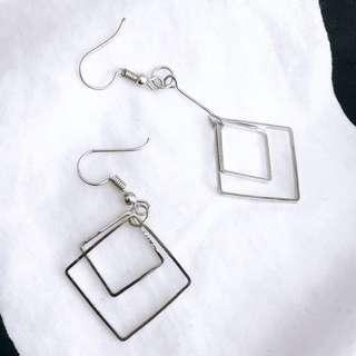 🚚 Double Square Earring