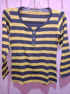 Kaos Strip Kuning Abu