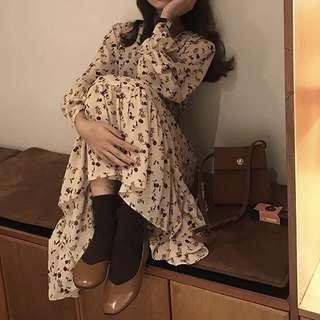 🚚 轉售👗韓系 V領 浪漫玫瑰雪紡洋裝 碎花 薔薇 米杏色 氣質飄逸