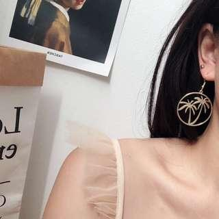 (NEW) Palm Round Earring