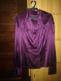 Sisley brand Plum l/s shiny blouse with buttoned details