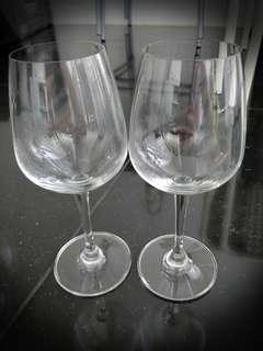 Set of two wine glasses