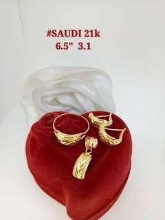 21K Saudi Gold 3.1Grams Set2 (Earrings, Pendant,Ring) in 2 Designs 3.1g EACH