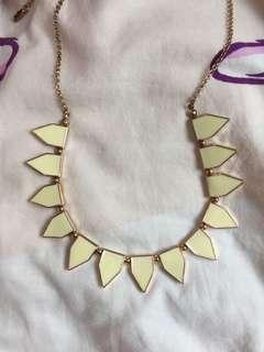 Necklace Louvisa