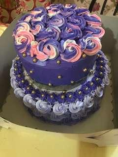 2layer cake w/ free 12 cup cakes