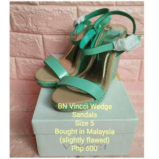 BN Vincci Wedge Sandals (Size 5)