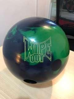 Storm Wipe Out 15 lbs bowling ball