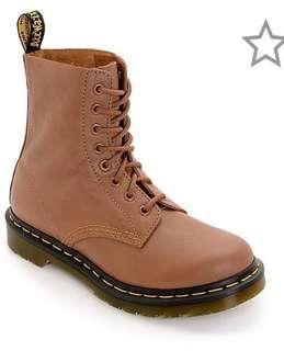 Dr Martens  Pascal Virginia 8 Eye Tan Boots