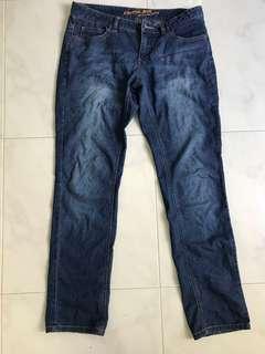 🚚 Blue jeans