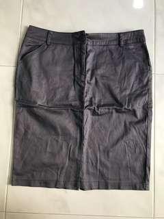 🚚 Grey pencil skirt
