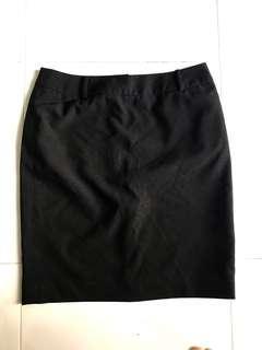 🚚 Black work pencil skirt