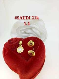21K Saudi Gold 1.4Grams Set (Pendant & Earrings)
