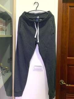 🚚 H&M 刷毛縮口棉褲