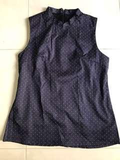 🚚 Blue top with mandarin collar and white flecks