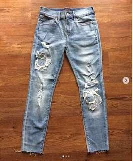 EXPRESS Ankle mid rise ripped jeans streetch