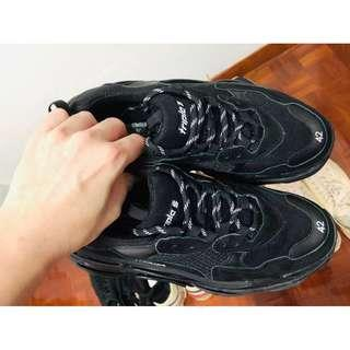 mens' black sneakers chunky type no brand