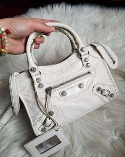 6179d4d741 balenciaga bag