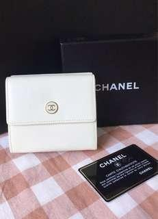 100% Authentic CHANEL trifold wallet, Vintage collection, Ivory/ Creamy