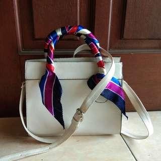 Tas model stradivarius white