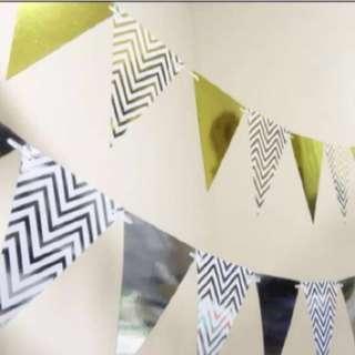 Triangular chevon design party pennant