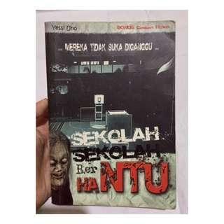 Buku Jakarta Penuh Hantu
