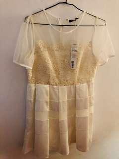 🚚 Moma白色透膚洋裝