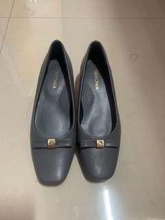 LIKE NEW Original Sembonia leather shoe (grey)