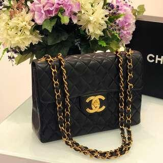 🖤Super Gorgeous!🖤 Highly sought after Chanel Jumbo/Maxi Flap in Black Lambskin 22k GHW
