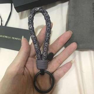 🚚 BV 羊皮蛇皮編織 鑰匙圈 粉 紫