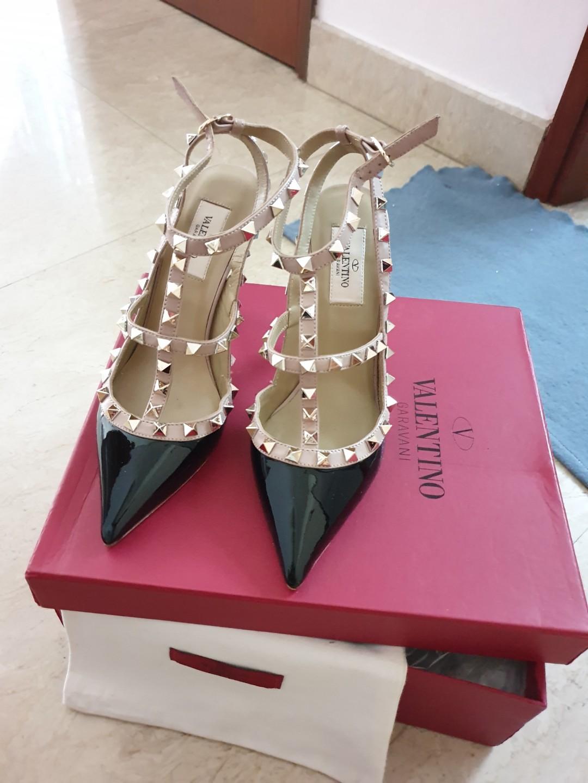 Patent Valentino Rockstud Heels
