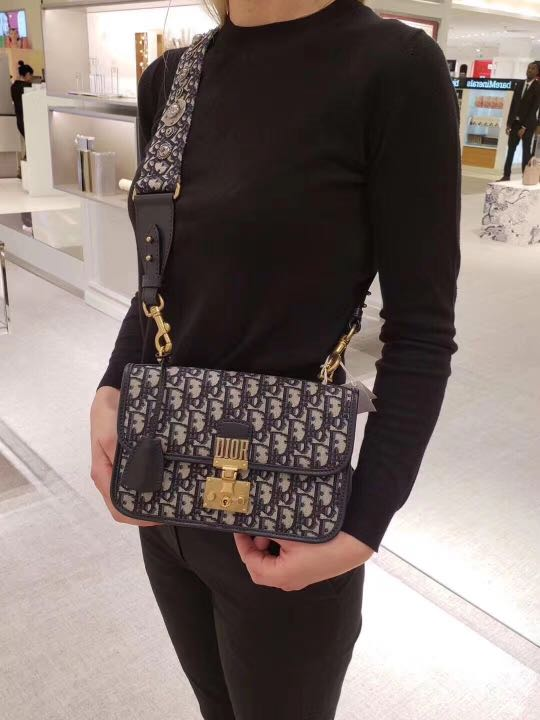 022e46c64 Authentic Brand New Christian Dior Dioraddict Oblique Bag, Barangan Mewah,  Beg dan Dompet di Carousell