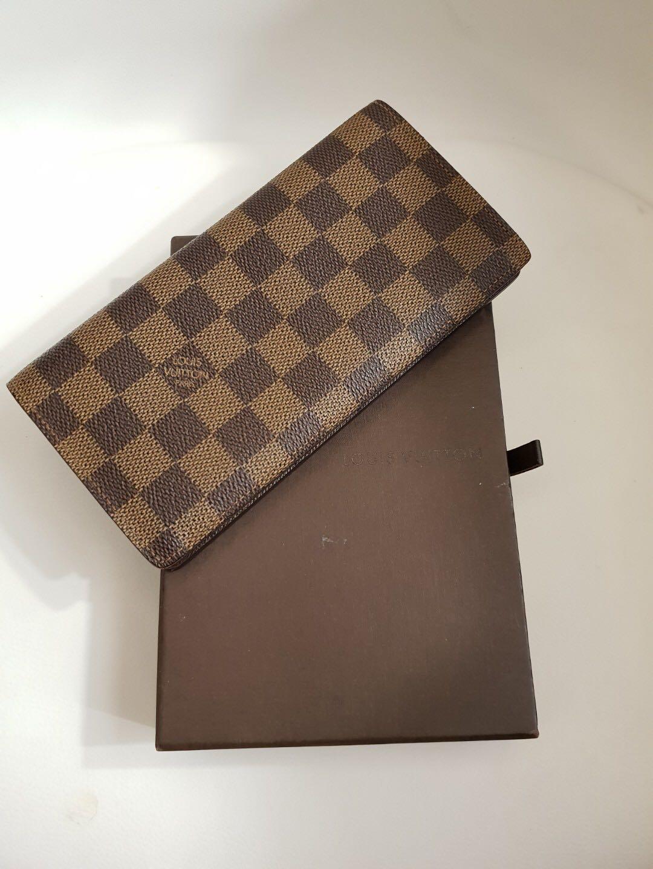 73b89b8be4c6 Authentic Louis Vuitton Long Wallet Damier