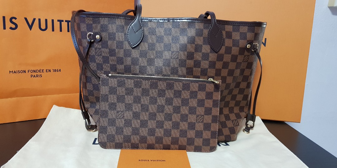 9bb1a2aa135 BNIB Authentic Louise Vuitton MM Neverfull tote bag In Damier Ebene,  Luxury, Bags   Wallets, Handbags on Carousell