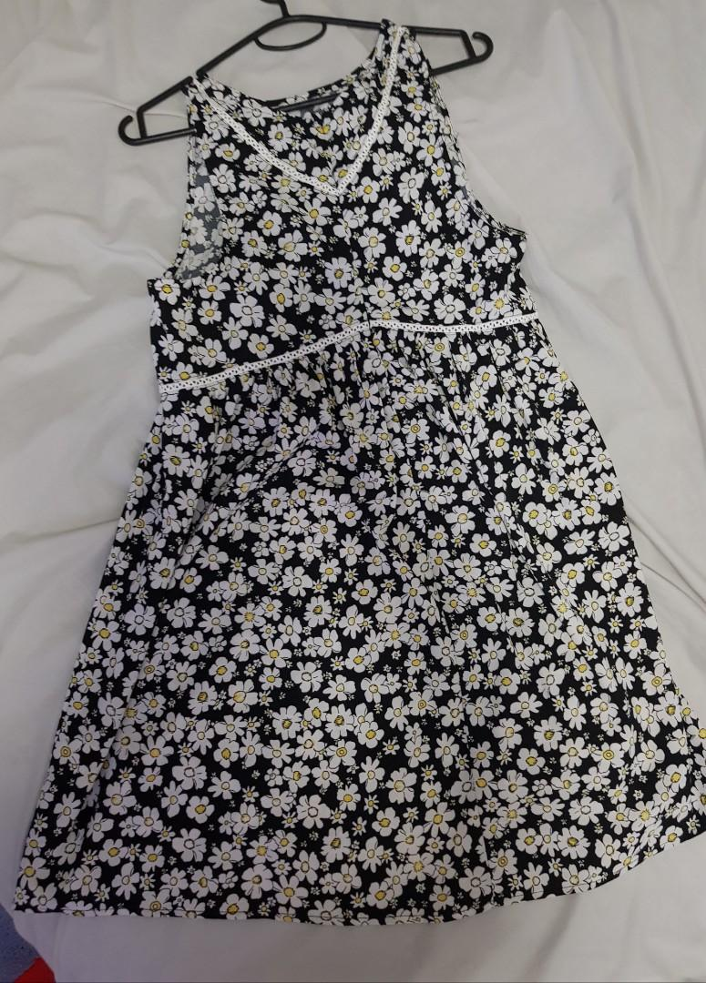 Flowery summer dress (brand new - washed but never worn)