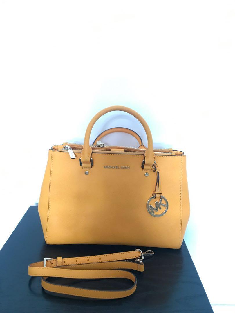 1f6bbf1fda6b Michael Kors Bag for Sale  200