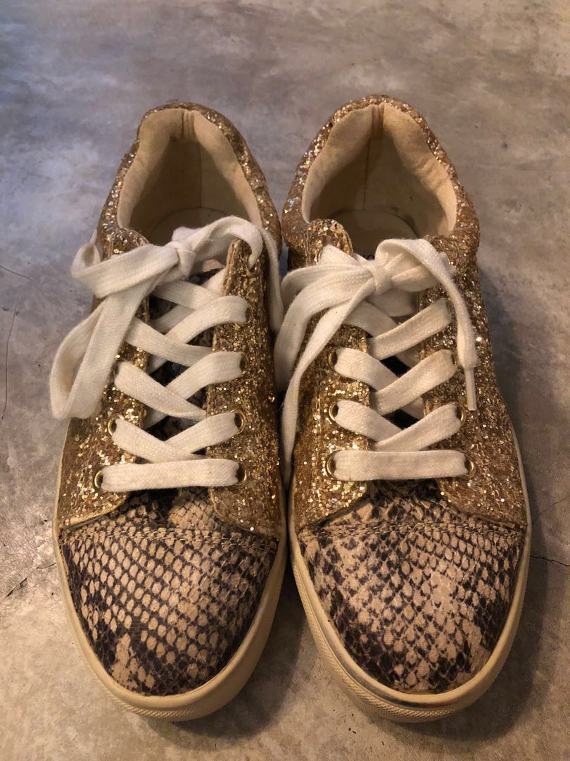 52ed015c9fc Steve Madden gold sneakers size 5