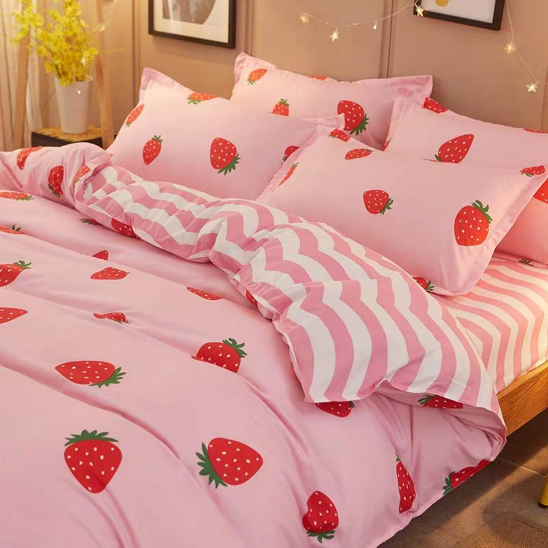 Strawberry Queen Size Bedsheets